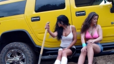 Car Stuck Girls (9)